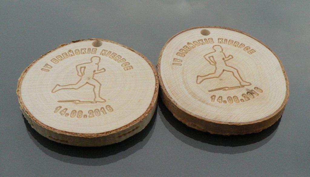Medal-drewniany